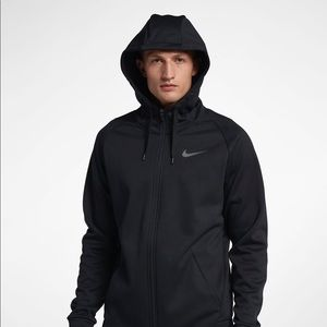 Nike Therma Zip up - all black